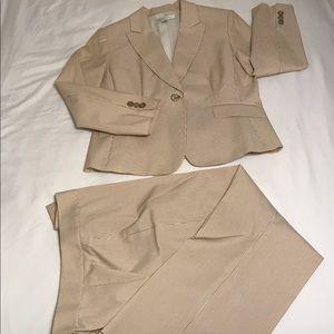 Tahari 2pc Suit
